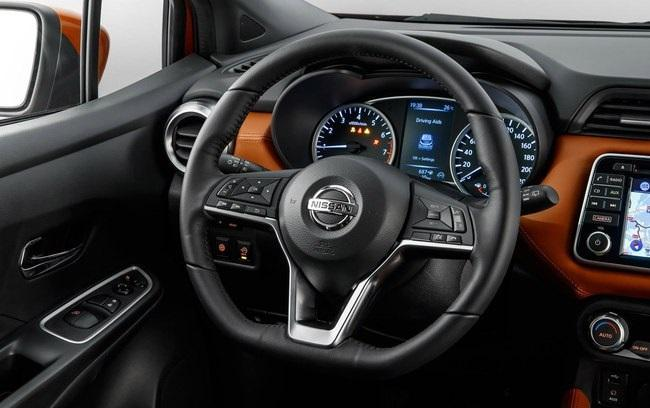 Interior Nissan March 2018