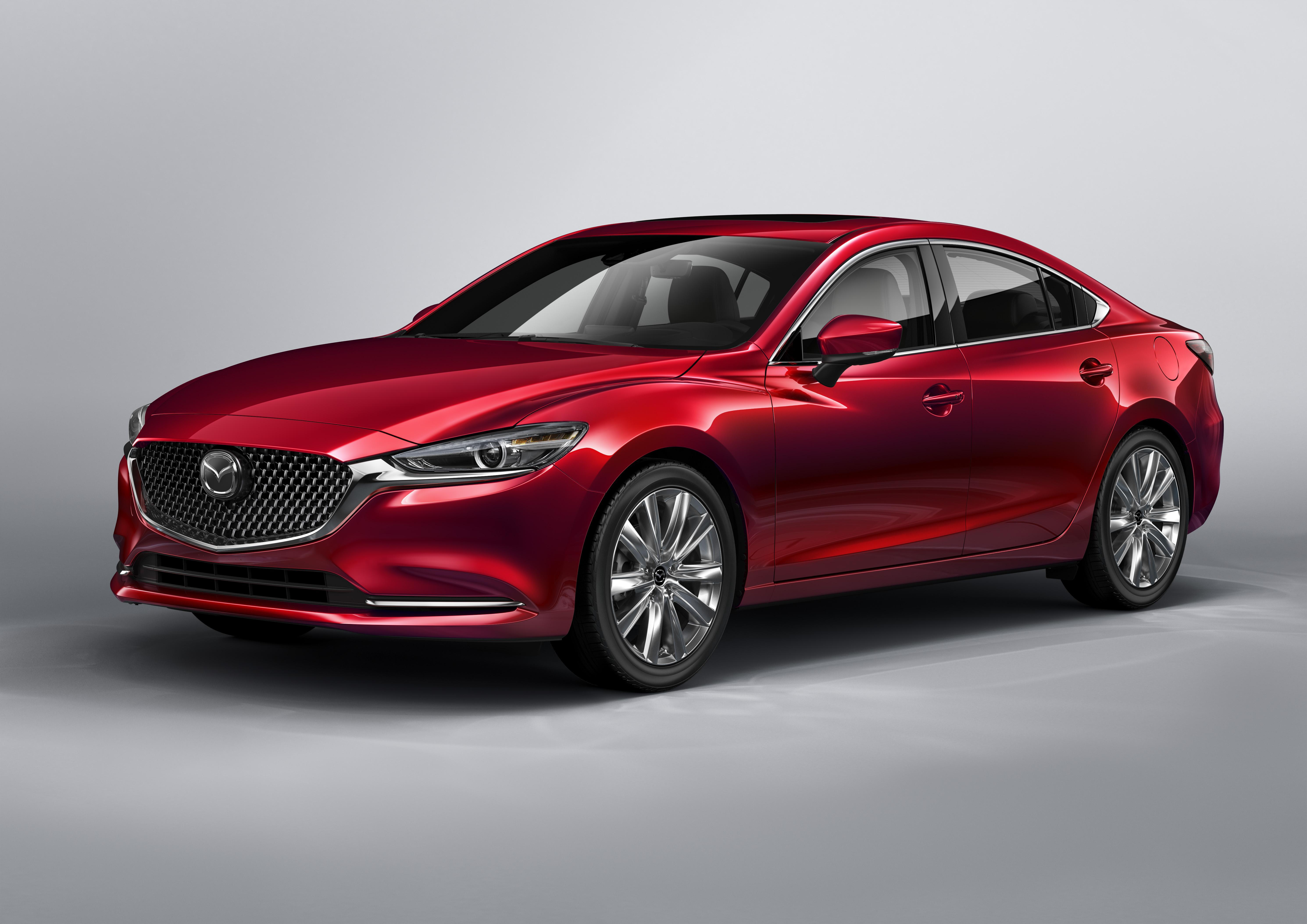 Apple CarPlay & Android Auto Inside 2019 Mazda6