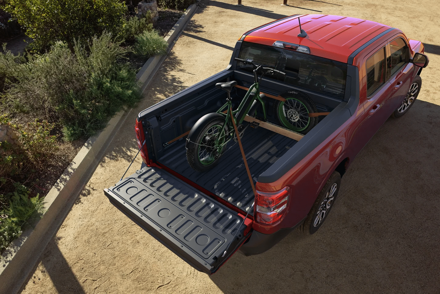 The Ford Maverick is equipped with a 4.5 ft Flexbed and adaptable tailgate.