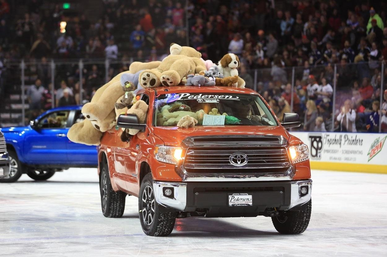 2017 Colorado Eagles Teddy Bear Toss