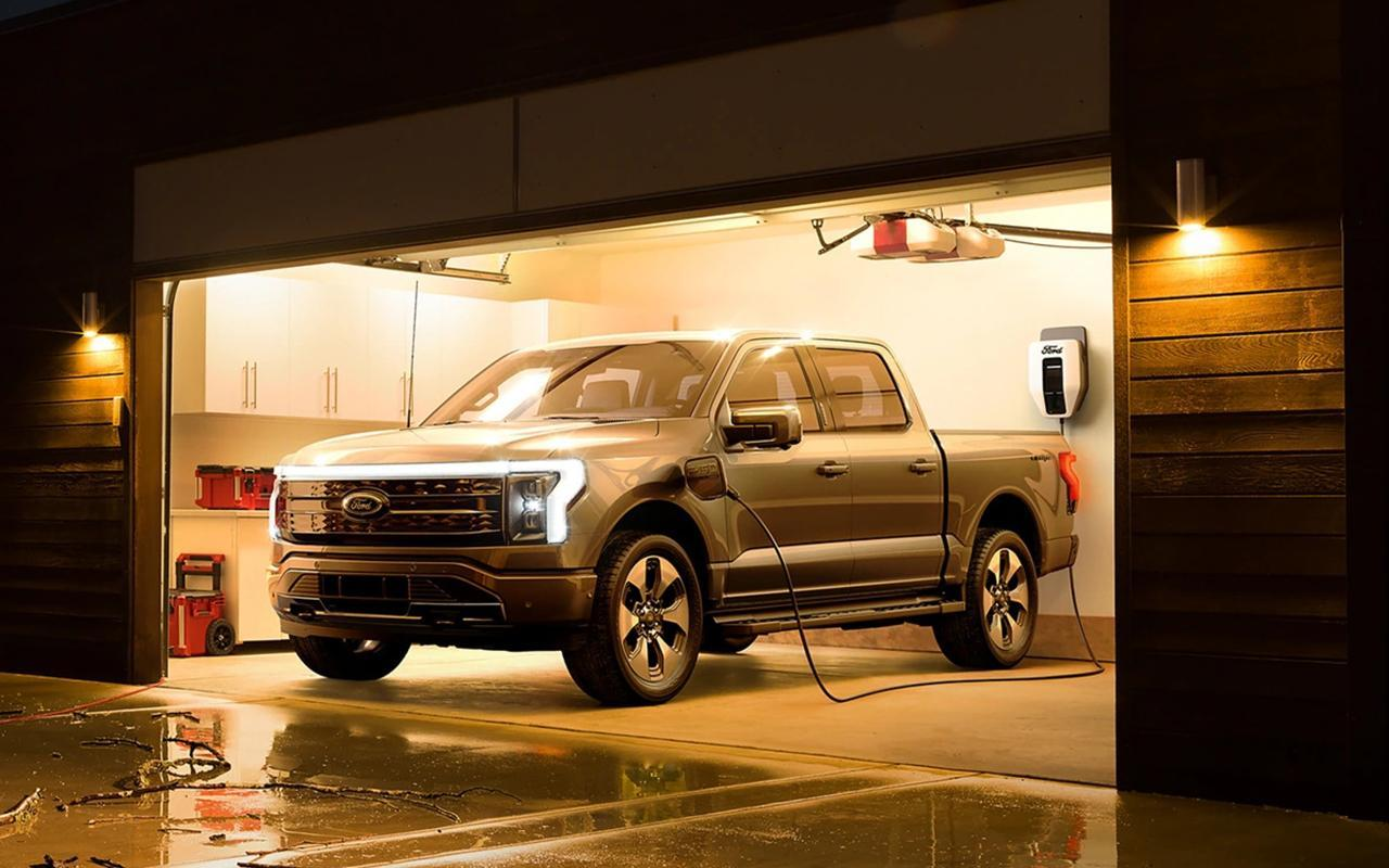Ford & Lincoln 2022 Ford F-150 Lightning image