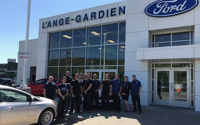 Équipe de carrosserie de L'Ange-Gardien Ford