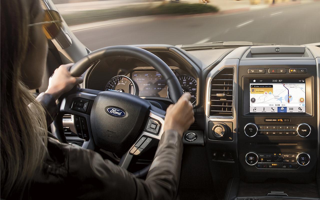 Programme Tout Nouvel Acheteur femme conduit Ford