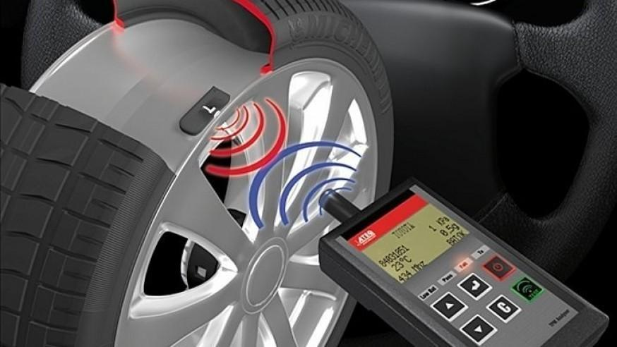 Tire Pressure Monitoring System mounted on Ford winter wheel