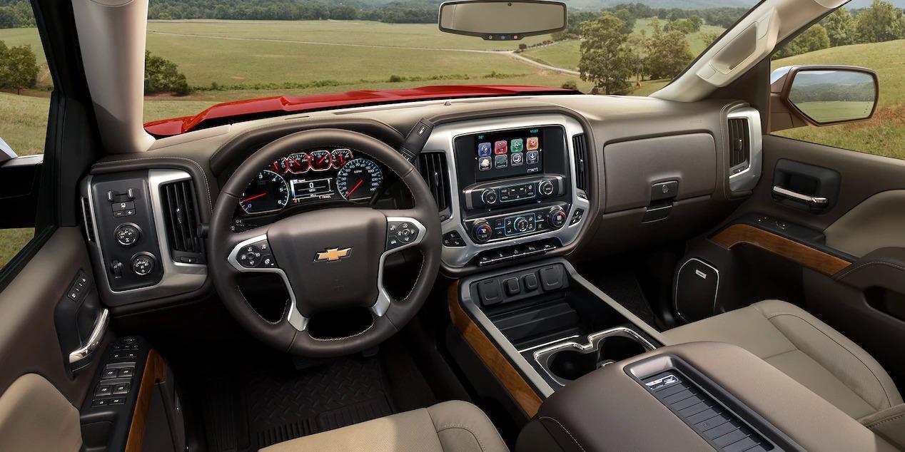 2018 Chevy Silverado Interior - Essig Motors