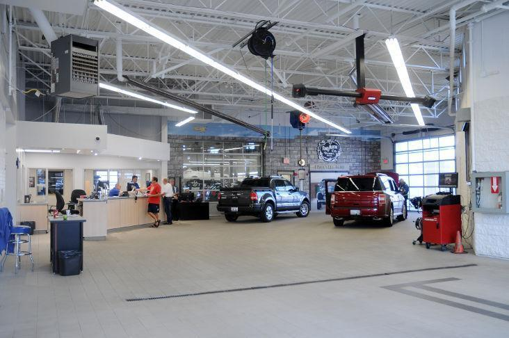Ford Ford Service image