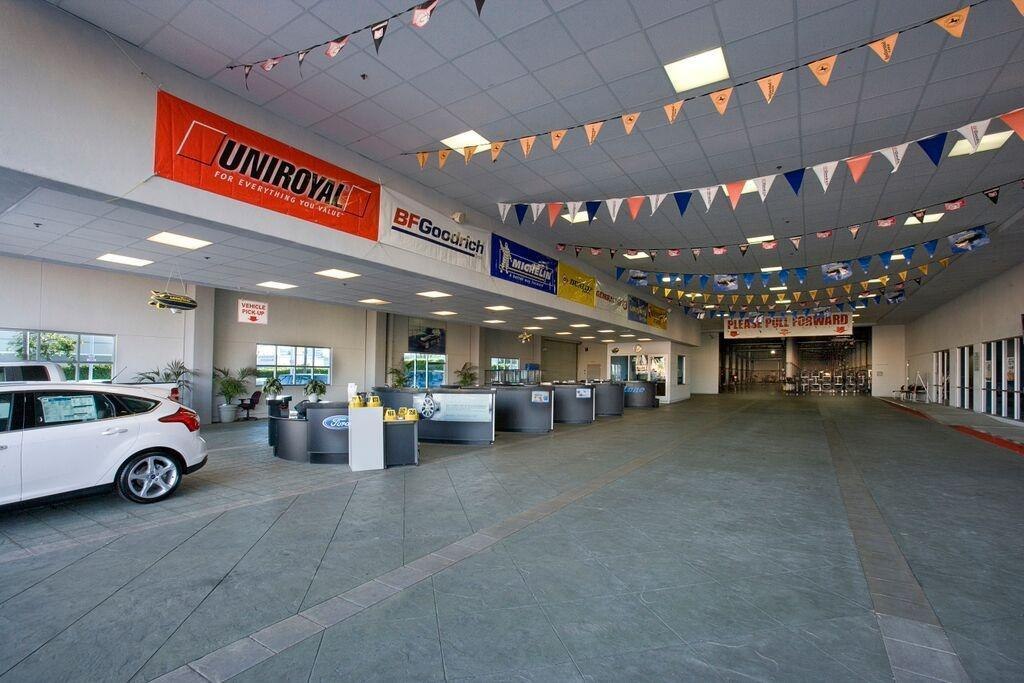 South Bay Ford Service Hours >> Ford Service Serving The Los Angeles Santa Monica Areas