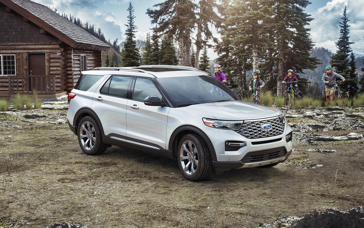 Ford explorer platinum iconic silver