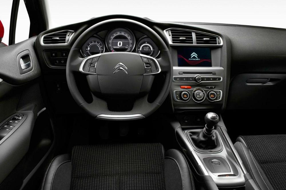 Citroen C4 gets updated for 2015.