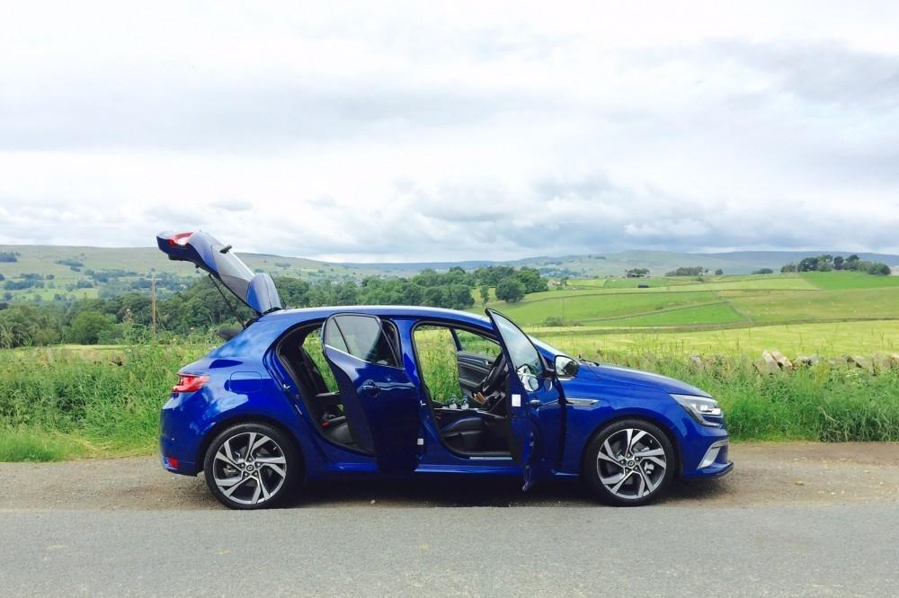 Tim Tests The All-New Renault Mégane GT 205