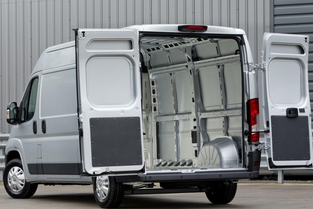 Peugeot Boxer Van Review