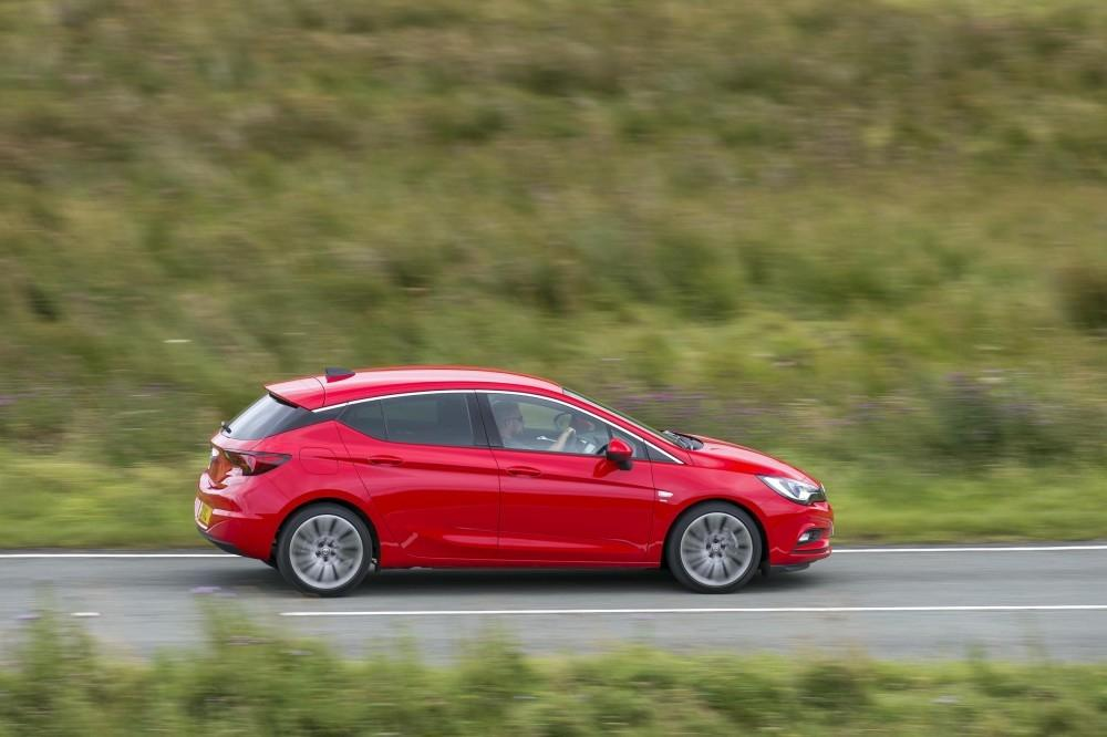 The Vauxhall Astra – A First Class Family Car