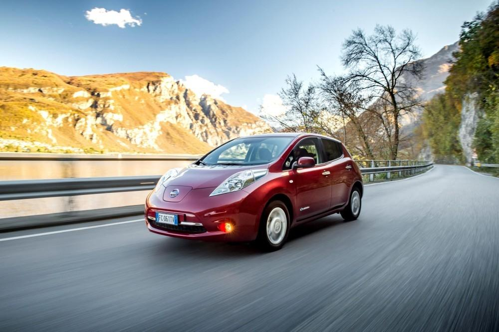 Nissan LEAF charges ahead