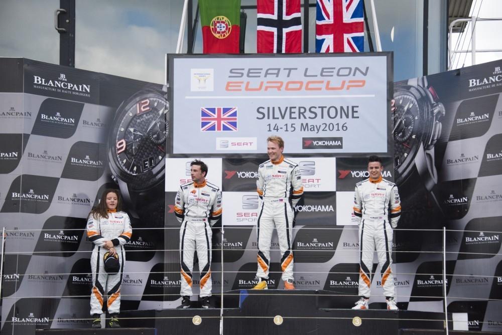 SEAT Leon Eurocup Thrills Fans at Silverstone