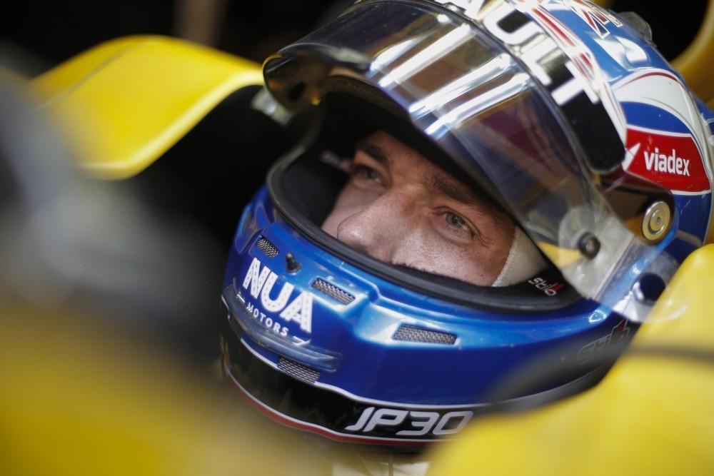 Renault Sport Formula One Retains Jolyon Palmer
