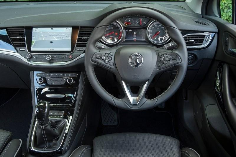 Vauxhall Astra 2015 Review