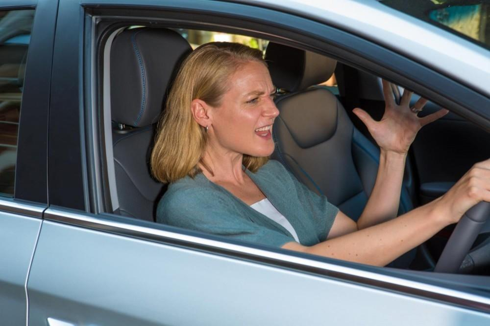 Female motorists fear being duped