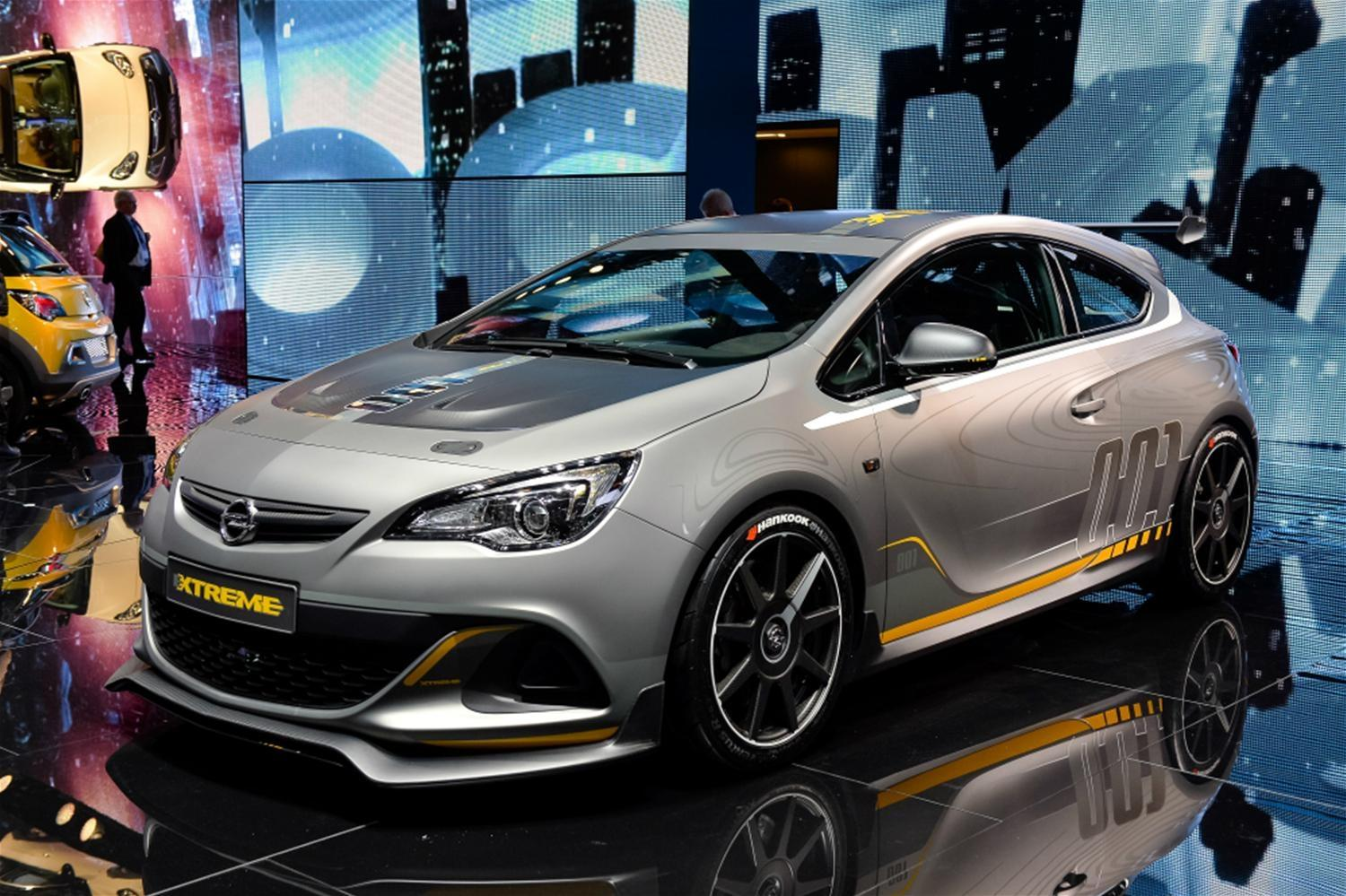 Vauxhall VXR EXTREME Set for Production