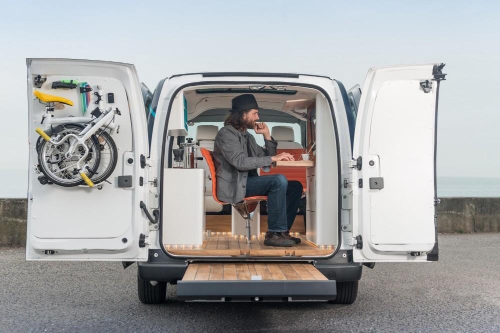 Nifty Nissan e-NV200 Office Concept