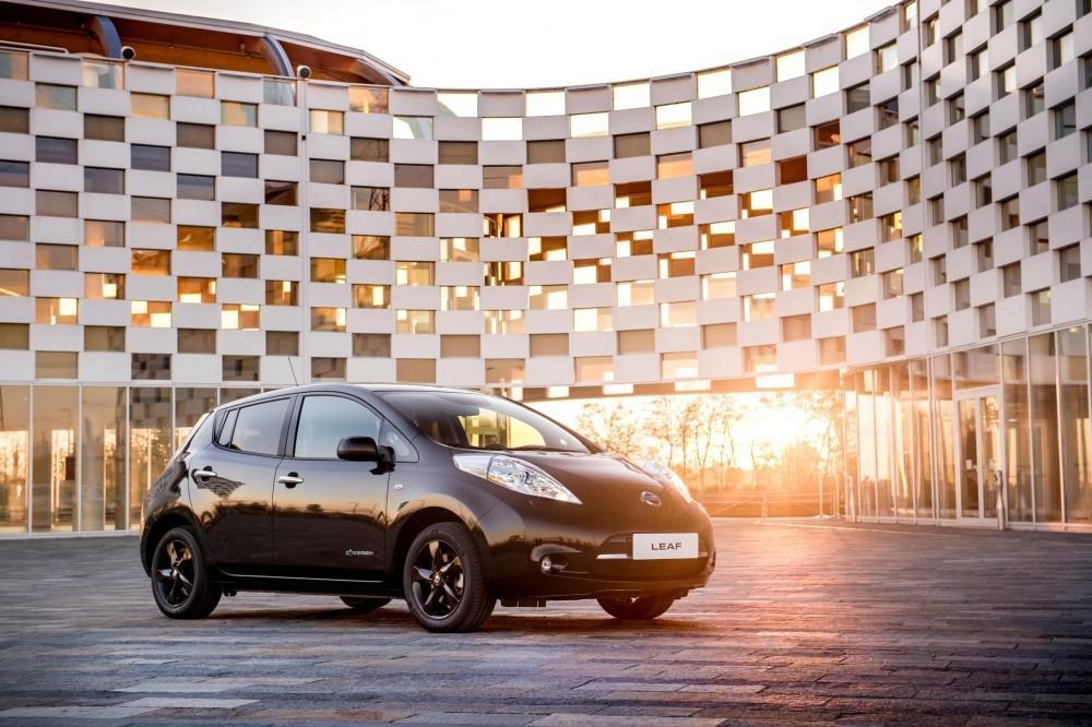 Nissan LEAF Black Edition Unveiled