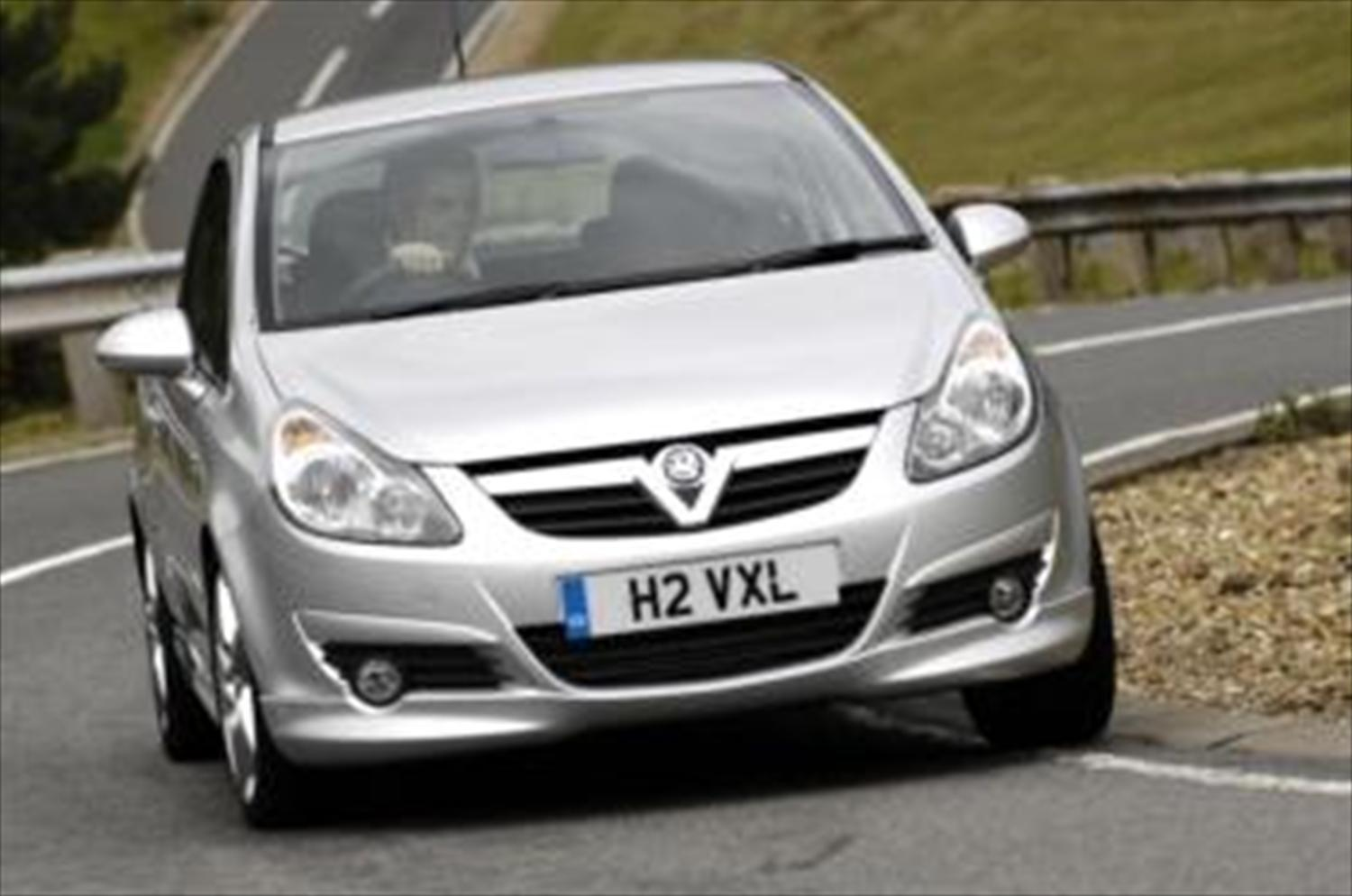 Perrys offers discounts for 'Vauxhall Associates'