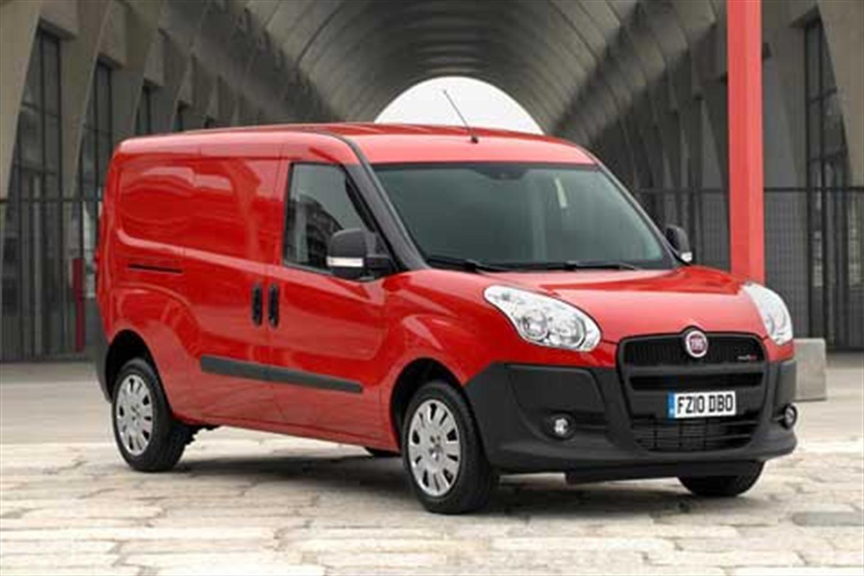 Fiat Doblo Wins Prestigious 2013 Van Award
