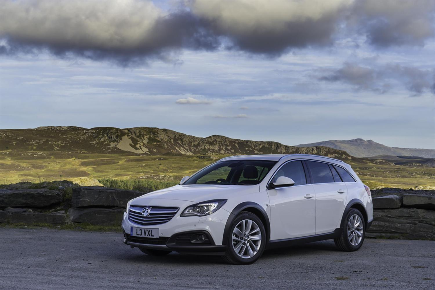 Orders Begin for Vauxhall Insignia