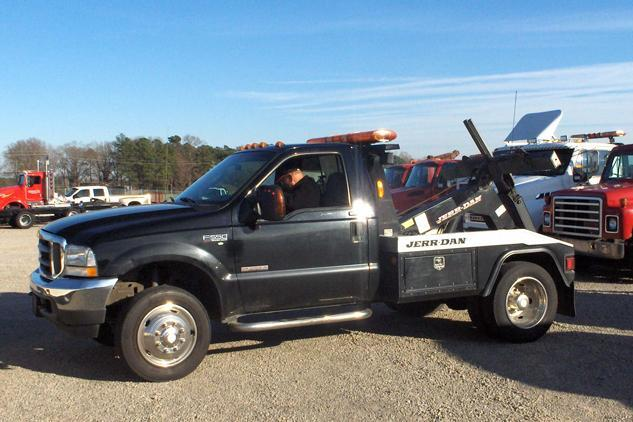 Ford Tow Truck Photo Gallery