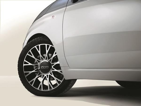 Fiat 500 alloy wheel detail