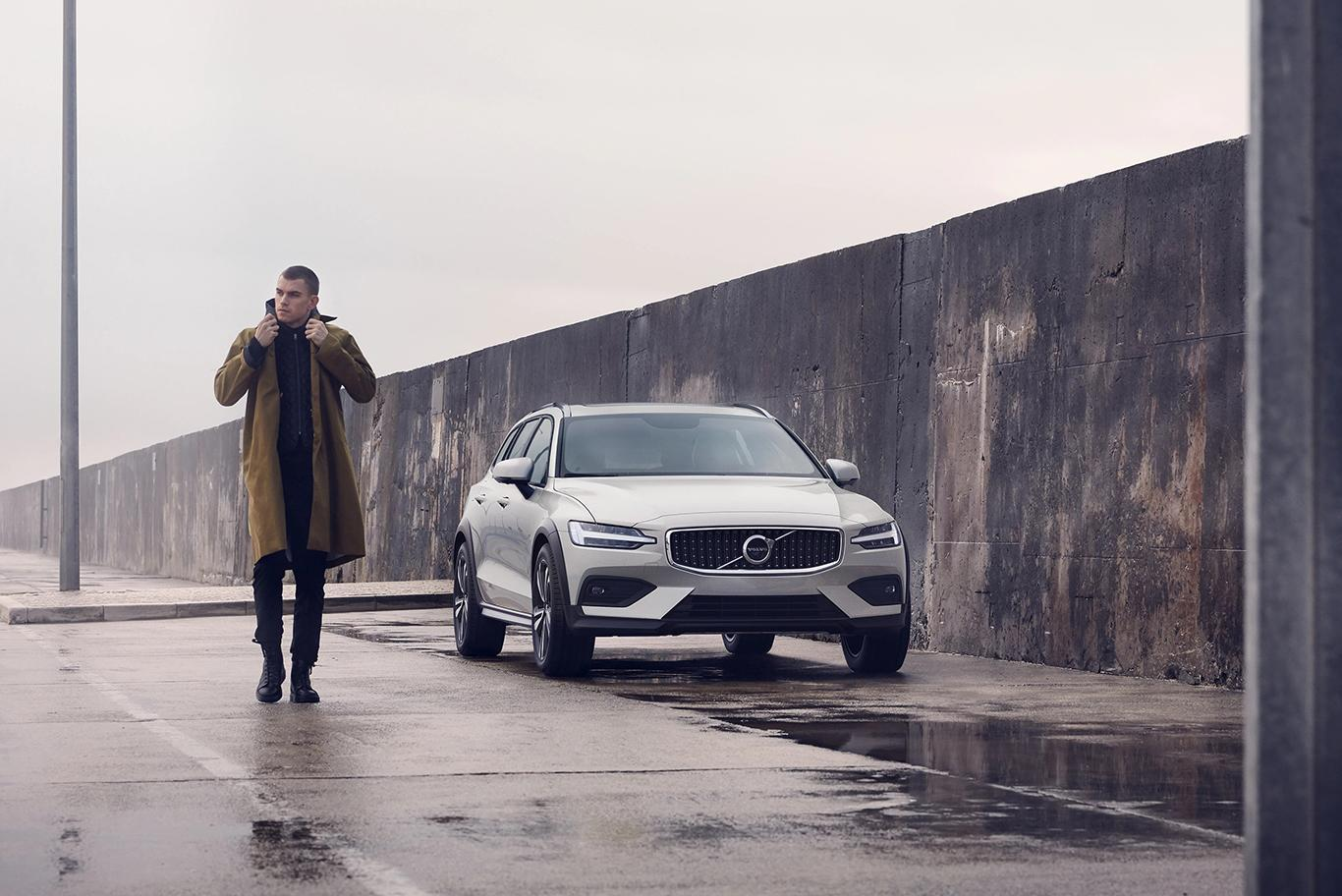 Volvo Cross Countrys Gallery