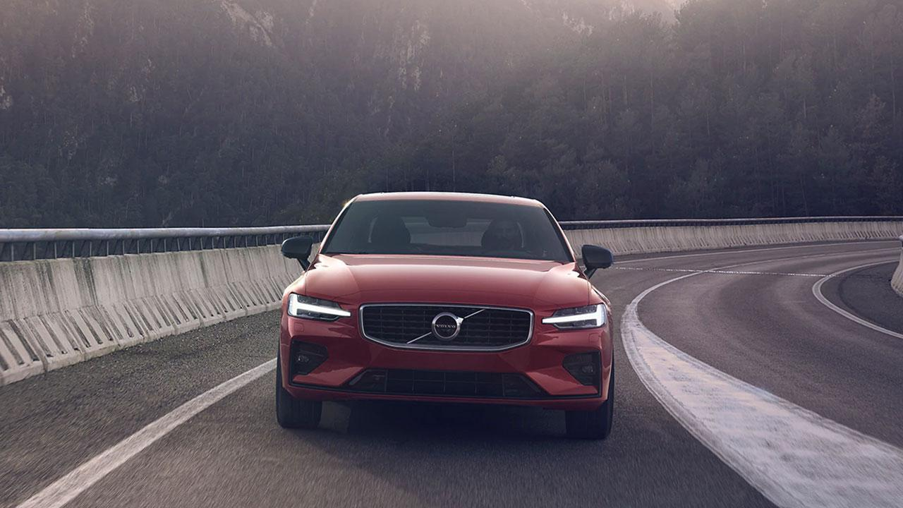2019 new volvo s60 red