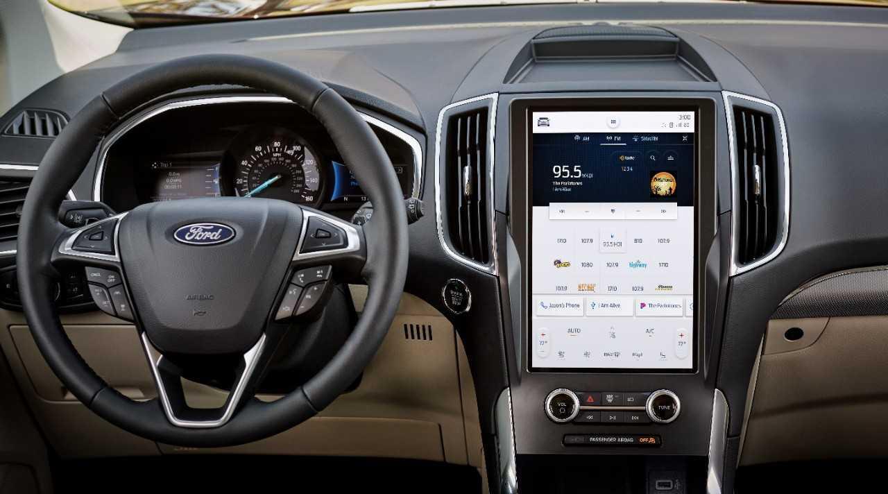Ford 2021 Edge image