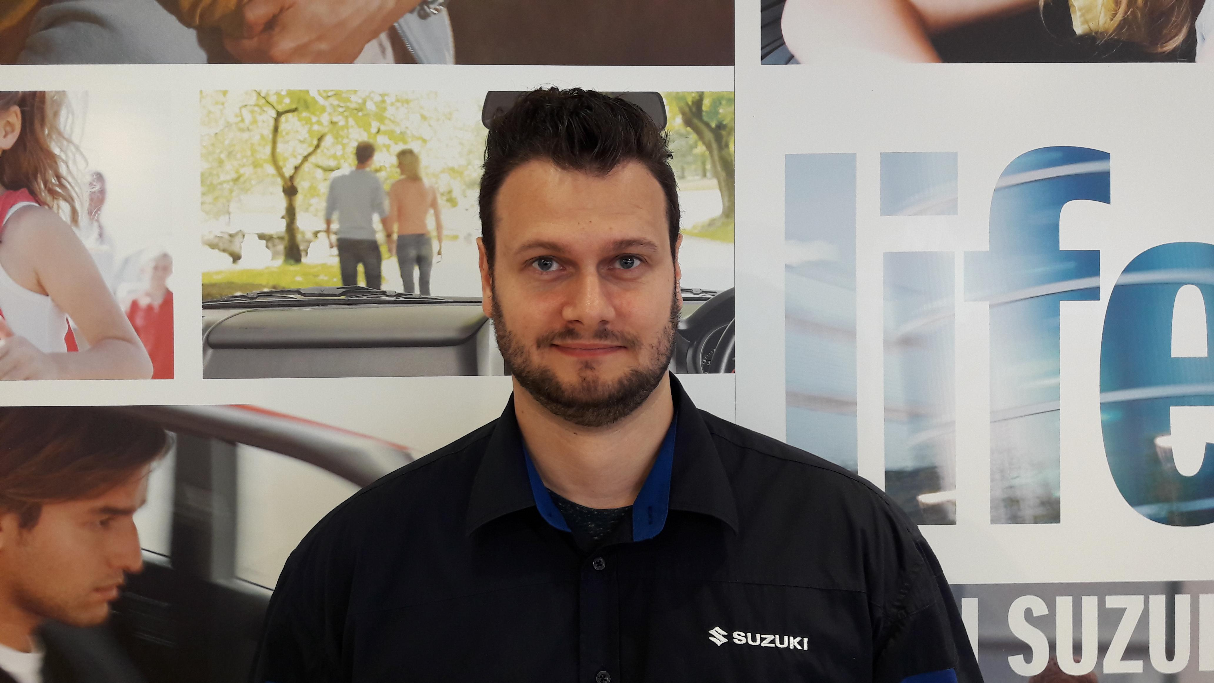Micheal Hendzell, Service Advisor