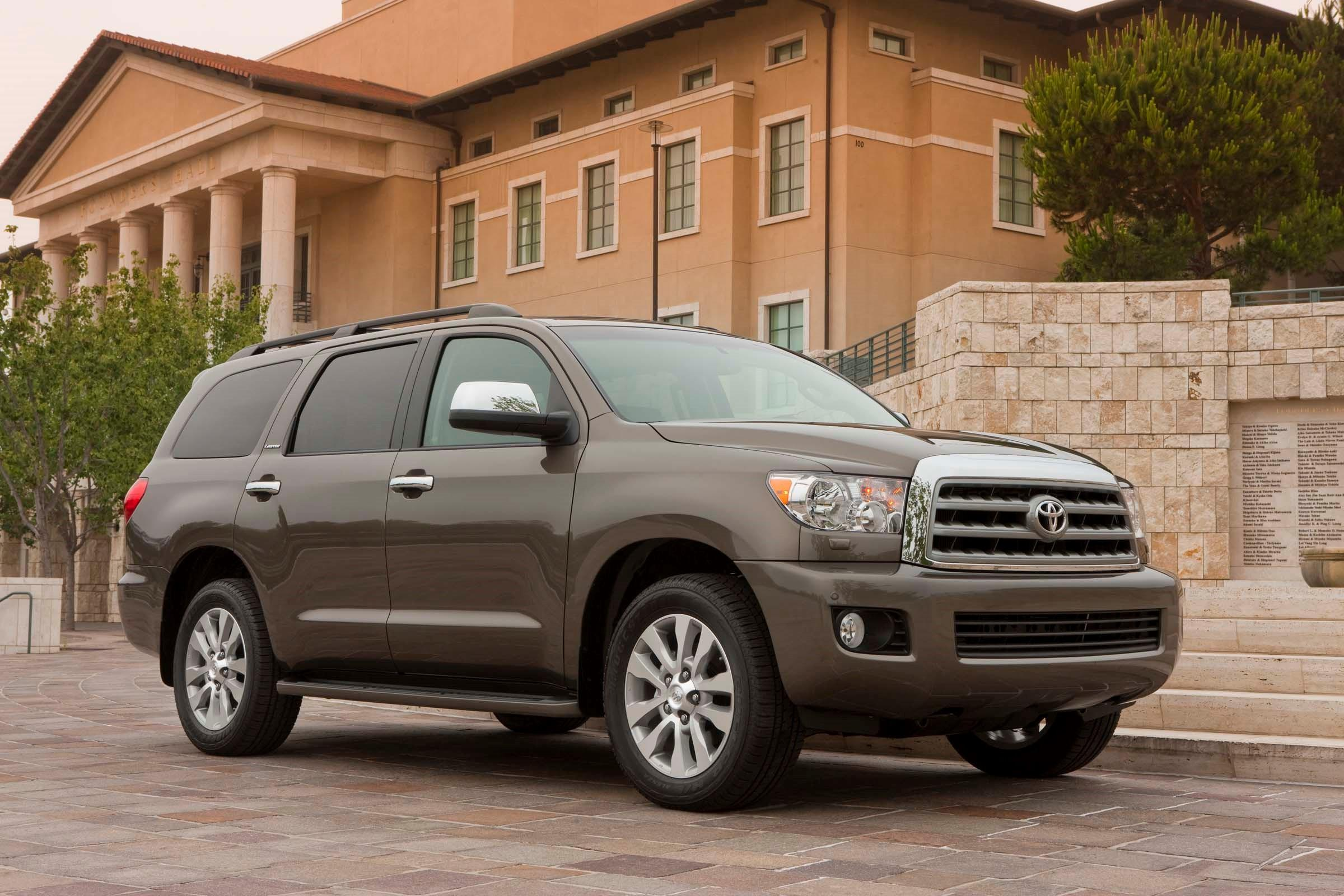 2017 Toyota Sequoia Spacious Full Size SUV Is Luxurious And Capable