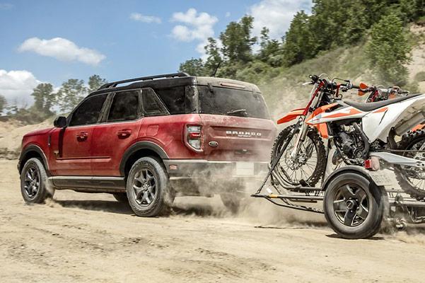 2021 Ford Bronco Sport pulling dirt bikes