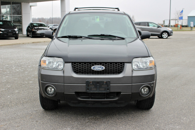 2005 Ford Escape XLT - AS IS