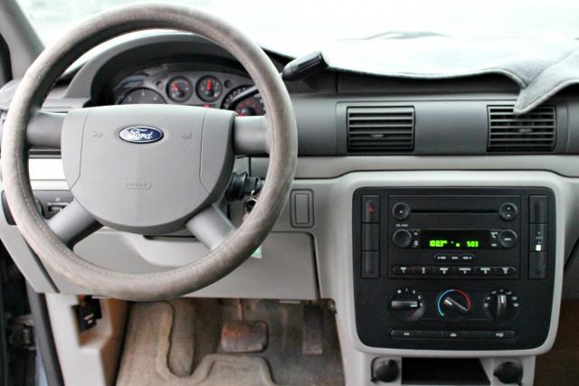 2004 Ford Freestar Base