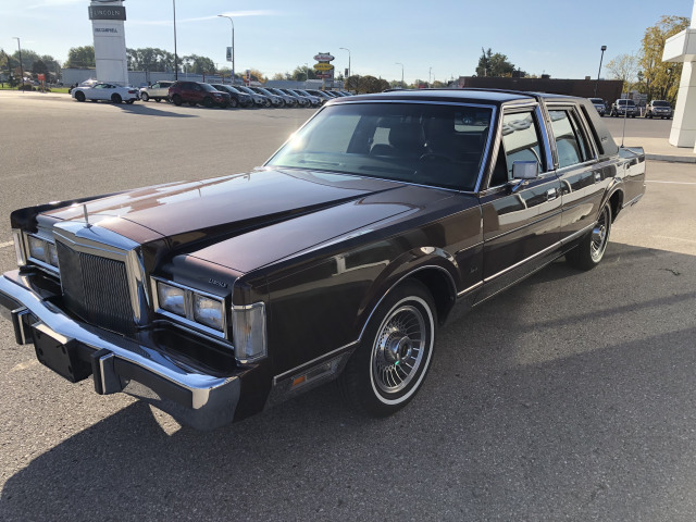 1988 Lincoln Town Car Passenger