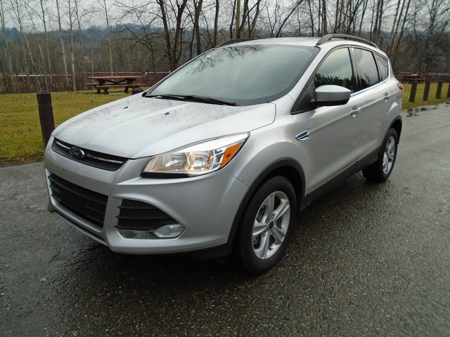 2014 Ford Escape SE 4x4 LOW KMS. $112.00 WEEKLY ZERO DOWN
