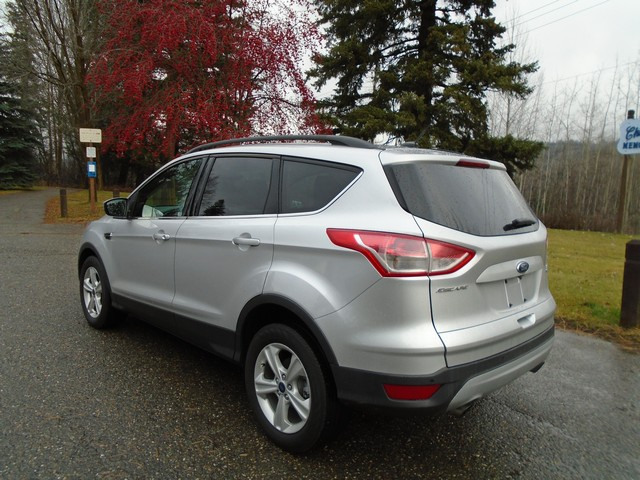 2014 Ford Escape SE 4x4 LOW KMS. $195 B/W ZERO DOWN