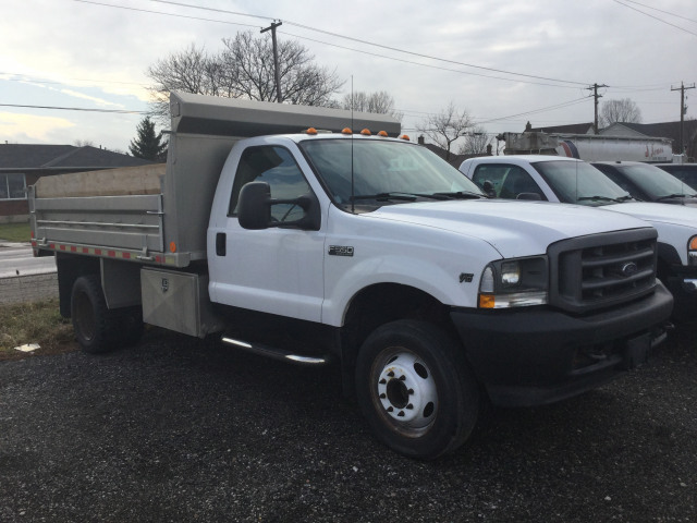2002 Ford F-550 Chassis Cab XL