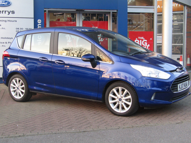 used ford b-max 1.0 ecoboost 125 titanium navigator 5dr in high