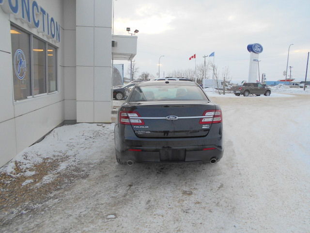 2015 Ford Taurus Sedan SEL AWD
