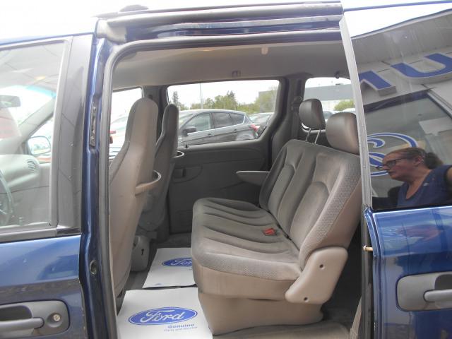 2002 Dodge Caravan SE