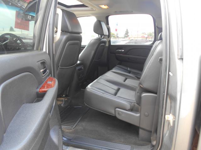 2009 GMC Sierra 2500HD 4WD Crew Cab