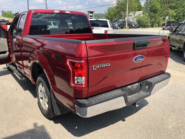 2017 Ford F-150 XLT w/3.5L NON ECOBOOST V6, SIDE STEP BARS, ONE OWNER, LOW KILOM