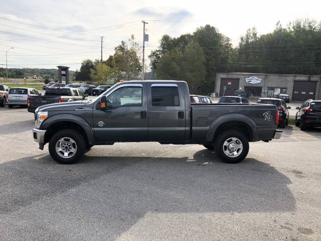 2016 Ford F-250 XLT w/POWERSTROKE DIESEL, REMOTE START, SNOW PLOW PREP PKG, CAMP