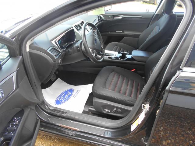 2015 Ford Fusion Sedan SE FWD