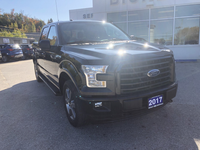 2017 Ford F-150 XLT w/5.0L V8, PANORAMIC ROOF, NAVIGATION, HEATED LEATHER