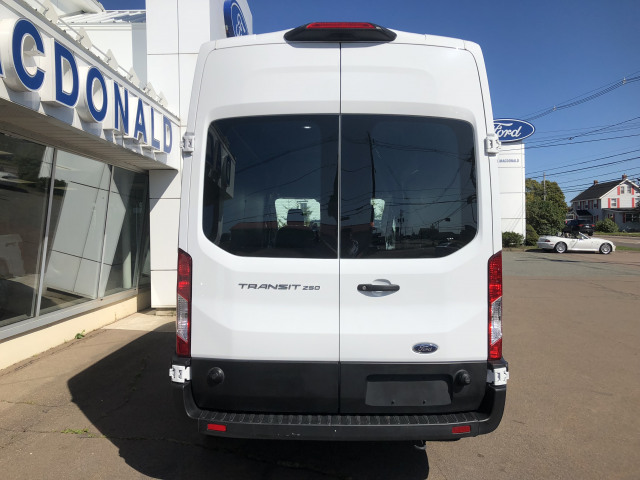 2019 Ford Transit-250 148 WB High Roof Cargo